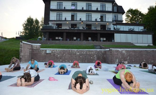 2015_07_7-17_yoga_retreat_05